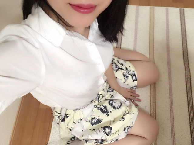 eoAYAMEoe - Japanese webcam girl
