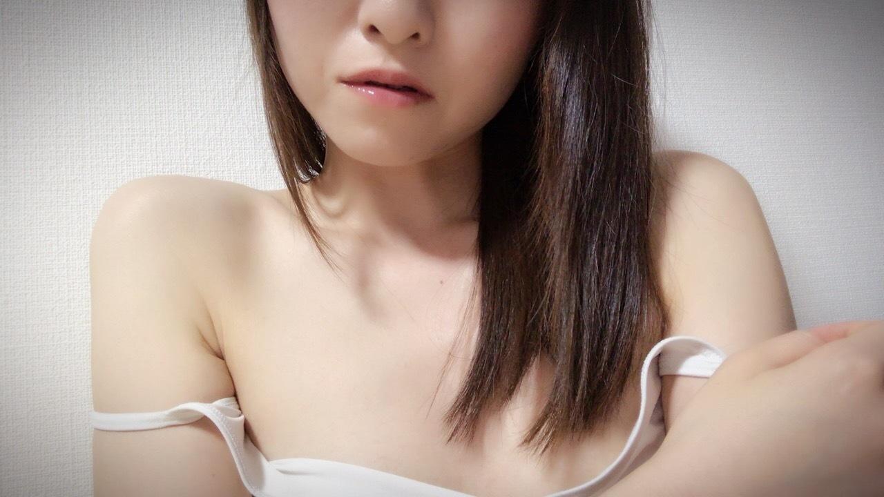 akari79ちゃん  - カワイイ系  アダルトチャットガール